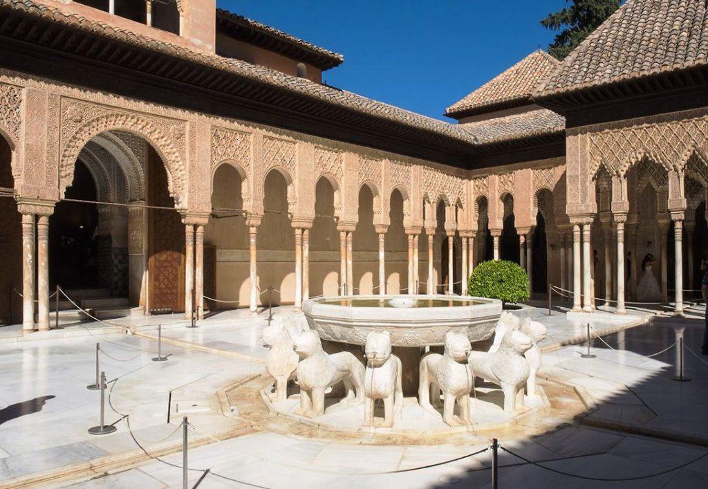 львиный дворик альгамбра