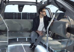 интерьер EZ-GO электро-робомобиля Renault